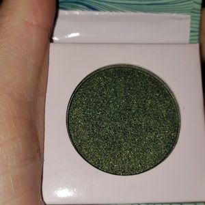 Other - Green shimmer eyeshadow